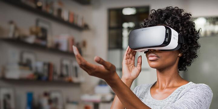 VRが実現する仮想世界