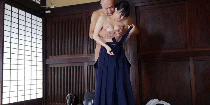 紺袴のいずみ