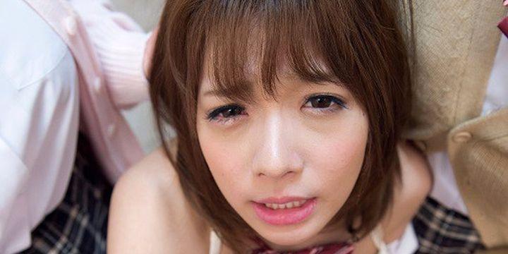 涙目の麻里梨夏